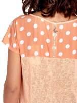 Pomarańczowy t-shirt z kieszonką w groszki                                  zdj.                                  6