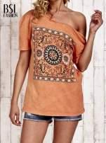 Pomarańczowy t-shirt z kwiatami efekt acid wash                                  zdj.                                  1