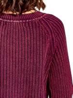 Purpurowy sweter cropped z rozporkami                                  zdj.                                  5