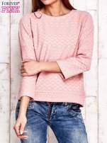 Różowa bluza o graficznej teksturze                                  zdj.                                  1