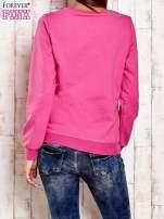 Granatowa bluza z tekstowym nadrukiem