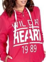 Różowa damska bluza z kapturem i napisem WILD AT HEART 1989                                  zdj.                                  5