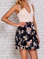 Różowa sukienka skater z kwiatowym dołem                                                                          zdj.                                                                         1