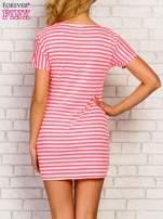 Różowa sukienka w paski z napisem TIME IS UP                                                                          zdj.                                                                         4