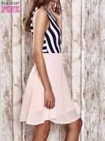 Jasnozielona sukienka z kopertowym dekoltem w pasy                                                                          zdj.                                                                         3