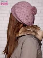 Różowa wełniana czapka z pomponem