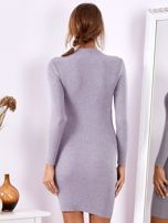 Szara dopasowana sukienka w prążek z oczkami                                  zdj.                                  2
