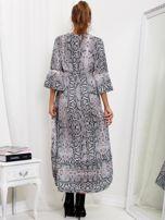 SCANDEZZA Szaro-różowa sukienka maxi z nadrukiem snake skin                                  zdj.                                  2