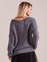 Szary luźny sweter                                   zdj.                                  2