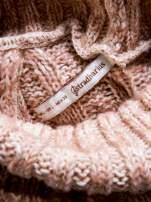STRADIVARIUS Pasteloworóżowy sweter z obszernym golfem                                  zdj.                                  3