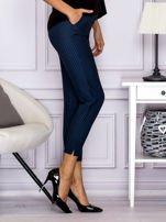 Spodnie materiałowe w drobny wzór niebieskie                                   zdj.                                  3