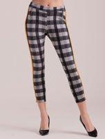 Spodnie w kratę z pomarańczowymi lampasami                                  zdj.                                  3