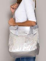 Srebrna torba z błyszczącym modułem                                  zdj.                                  4
