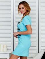 Sukienka bawełniana z napisami jasnoniebieska                                  zdj.                                  5