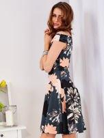 Sukienka ciemnozielona z motywem kwiatowym                                  zdj.                                  2