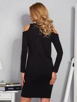 Sukienka cold shoulder w wypukłe paski czarna                                  zdj.                                  2
