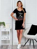 Sukienka czarna bawełniana z miłosnym nadrukiem                                  zdj.                                  4