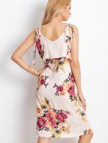 Sukienka jasnoróżowa w kolorowe kwiaty                                  zdj.                                  2