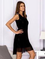 Sukienka w kratkę ze skórzanymi wstawkami czarna                                  zdj.                                  3