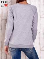 Granatowa bluza z nadrukiem serca i napisem JE T'AIME                                                                           zdj.                                                                         4