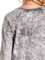 Szara dektyzowana bluza z nadrukiem SOHO HARLEM LITTLE CHINA                                                                          zdj.                                                                         7
