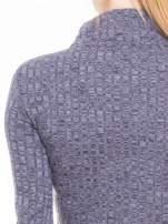 Szara dzianinowa bluzka cropped z golfem                                                                          zdj.                                                                         6