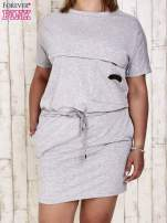 Szara sukienka dresowa wiązana w pasie PLUS SIZE