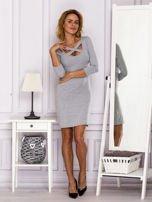 Szara sukienka z paskami przy dekolcie                                   zdj.                                  4