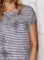 Szary fakturowany t-shirt w paski                                  zdj.                                  6