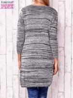 Szary melanżowy sweter z cekinami                                  zdj.                                  4