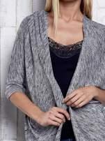 Szary melanżowy sweter z rękawem nietoperz                                                                          zdj.                                                                         6