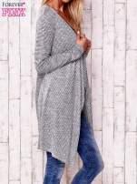 Szary otwarty sweter w drobne paski                                  zdj.                                  3