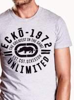 Szary t-shirt męski z czarnym logiem                                  zdj.                                  7