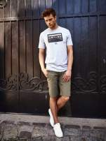 Szary t-shirt męski z nadrukiem kasety