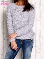 Szary włochaty sweter                                                                          zdj.                                                                         1