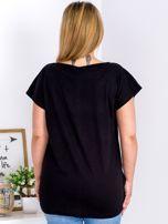 T-shirt czarny z truskawką PLUS SIZE                                  zdj.                                  2