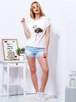 T-shirt ecru z cekinowym flamingiem                                  zdj.                                  4