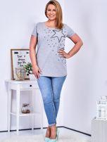 T-shirt jasnoszary z gwiazdą z perełek PLUS SIZE                                  zdj.                                  4