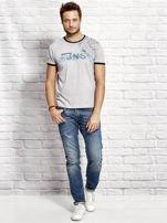 T-shirt męski z nadrukiem szary                                  zdj.                                  4