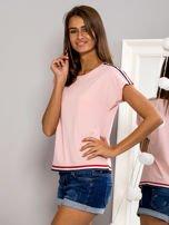 T-shirt z kolorową lamówką różowy                                  zdj.                                  2