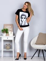 T-shirt z nadrukiem dziewczyny i rozcięciem czarny                                  zdj.                                  4