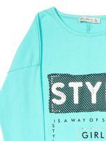 Zielona bluzka dla dziewczynki z napisem i aplikacją                                  zdj.                                  6