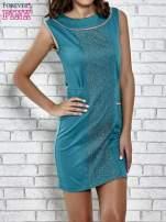 Zielona dopasowana sukienka z pionową aplikacją                                  zdj.                                  1