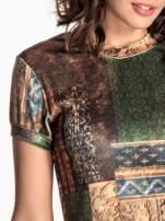 Zielona mini sukienka w patchworkowy wzór                                  zdj.                                  4