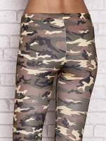 Zielone legginsy z motywem moro                                  zdj.                                  5
