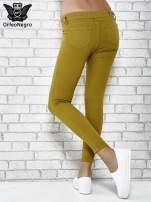 Zielone spodnie typu skinny z elastycznego materiału                                  zdj.                                  2