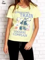 Zielony t-shirt z kwiatowym numerem 25