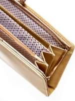 Złoty portfel z motywem skóry węża z biglem