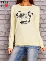 Żółta bluza z nadrukiem moro                                  zdj.                                  1