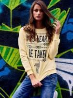 Żółta bluza z napisem WILD HEARTS CAN'T BE TAKEN                                  zdj.                                  1